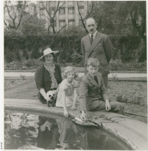 barclay-harvey-and-family
